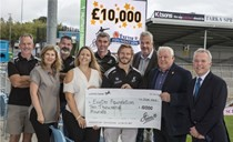 Steeno hands over £10,000 donation raised from testemonial